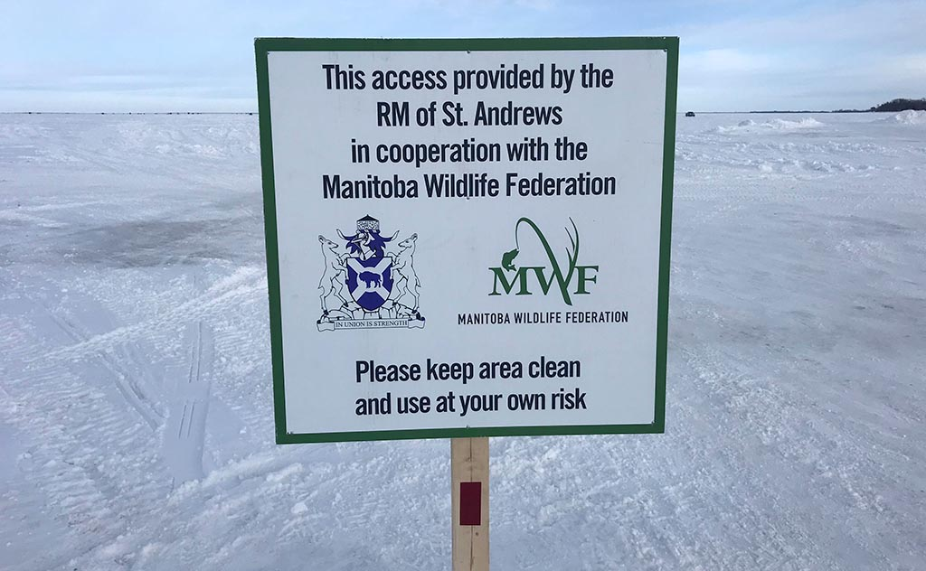 lake winnipeg access sign